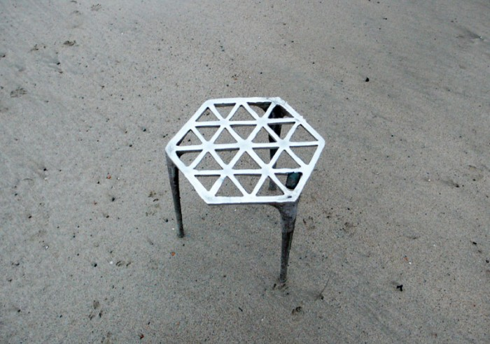 Hexagonal tennstol / Max Lamb
