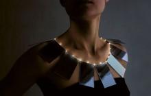 Halsband av Mae Yokoyama